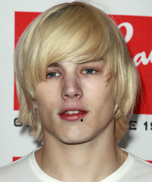 Luke Worrall Medium Straight Casual Hairstyle