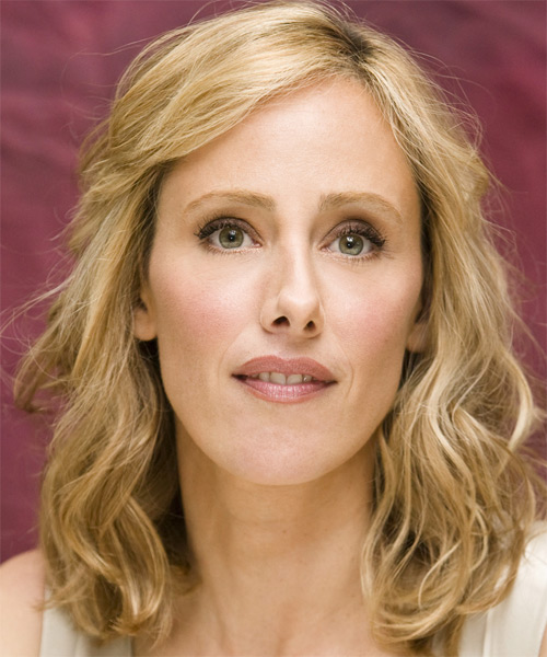 Kim Raver - Casual Medium Wavy Hairstyle