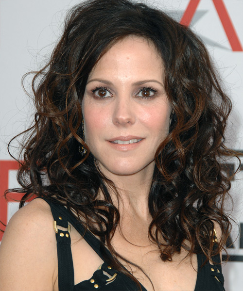 Mary Louise Parker - Casual Long Curly Hairstyle