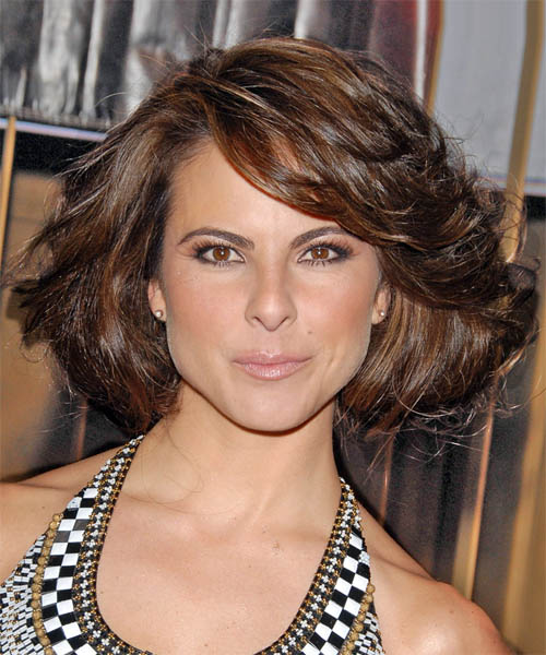 Kate del Castillo - Casual Medium Wavy Hairstyle