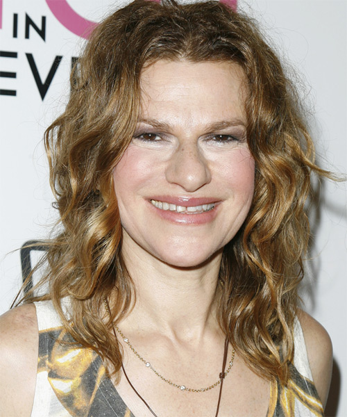 Sandra Bernhard Long Wavy Casual Hairstyle