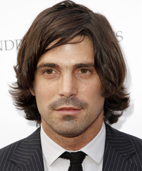 Nacho Figueras Medium Wavy Casual Hairstyle - Medium Brunette Hair Color