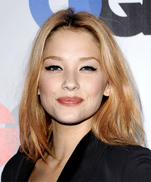 Haley Bennett Medium Straight Casual Hairstyle