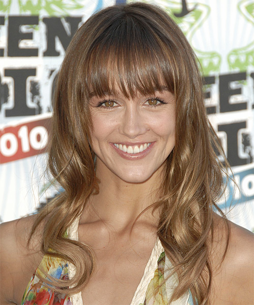Sharni Vinson - Casual Long Wavy Hairstyle