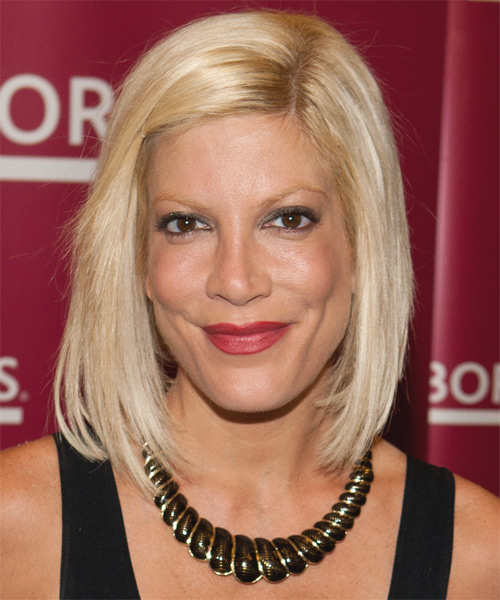 Tori Spelling - Casual Medium Straight Hairstyle