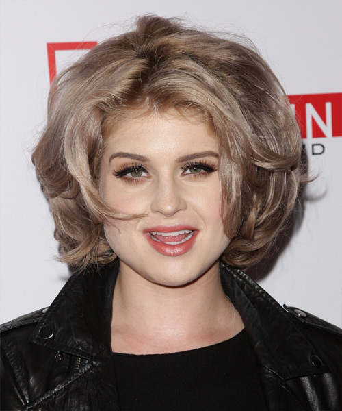 Kelly Osbourne - Casual Medium Wavy Hairstyle