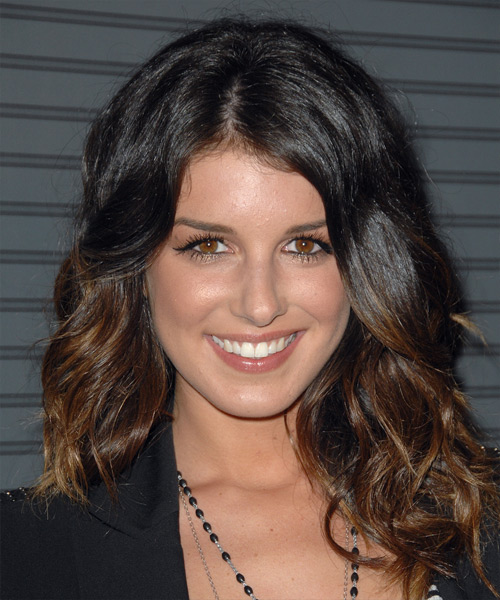 Shenae Grimes - Casual Long Wavy Hairstyle