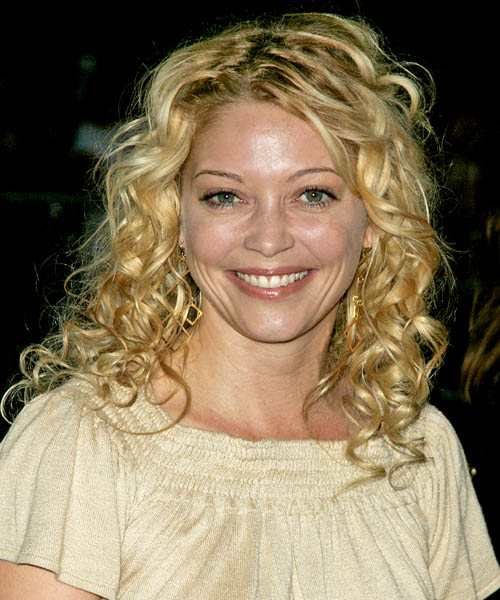 Amanda Detmer - Casual Long Curly Hairstyle