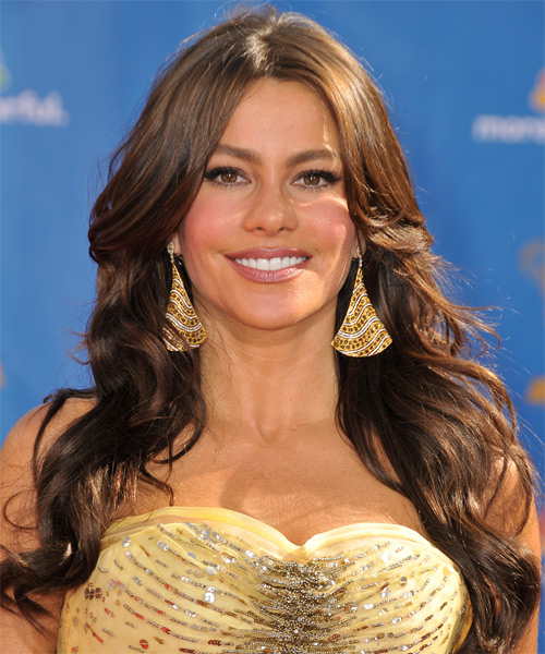 Sofia Vergara Long Wavy Hairstyle