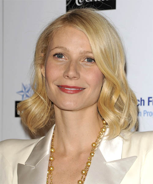 Gwyneth Paltrow - Casual Medium Wavy Hairstyle