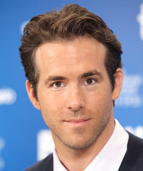 Ryan Reynolds Short Straight Casual Hairstyle