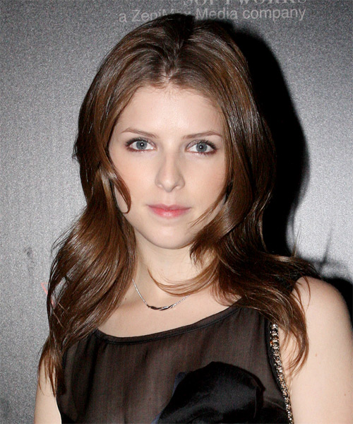 Anna Kendrick Long Straight Casual Hairstyle