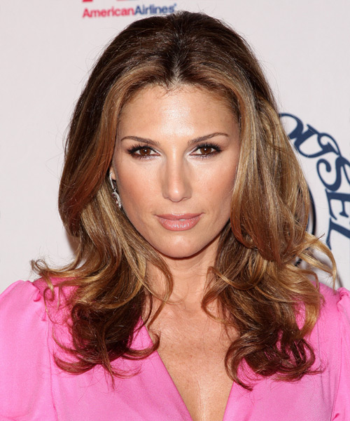 Daisy Fuentes Long Wavy Hairstyle
