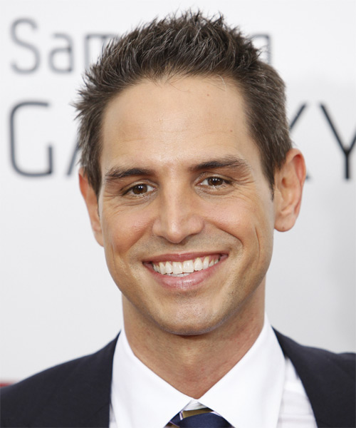 Greg Berlanti - Casual Short Straight Hairstyle