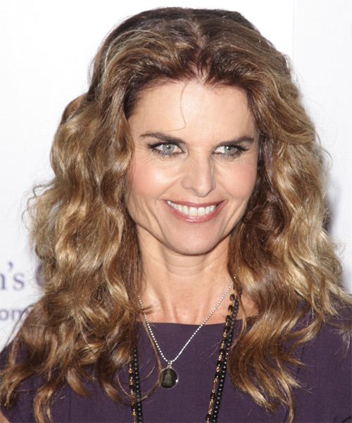 Maria Shriver Long Wavy Casual Hairstyle