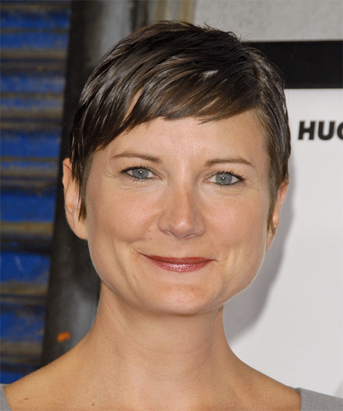 Kerri Kenney Short Straight Hairstyle