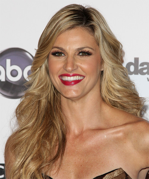 Erin Andrews Long Wavy Hairstyle