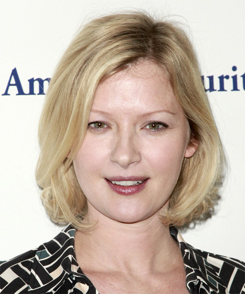 Gretchen Mol - Casual Medium Straight Hairstyle