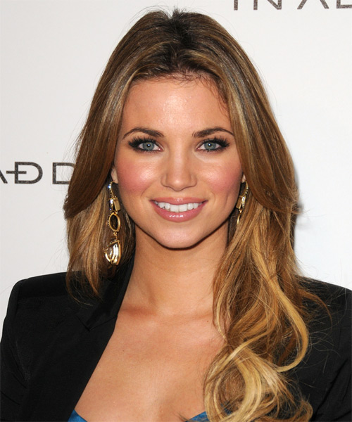 Amber Lancaster Long Wavy Hairstyle - Dark Blonde (Golden)