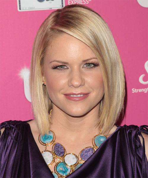 Carrie Keagan - Casual Medium Straight Hairstyle