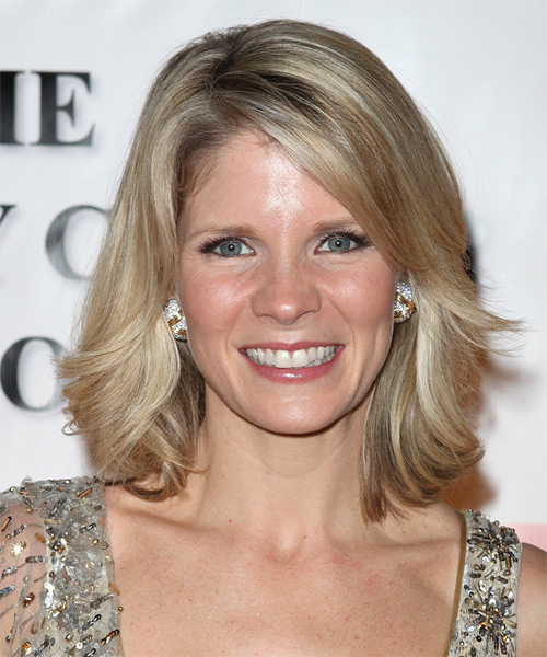 Kelli O'Hara Medium Wavy Casual Hairstyle
