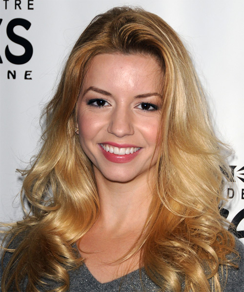 Masiela Lusha Long Wavy Hairstyle