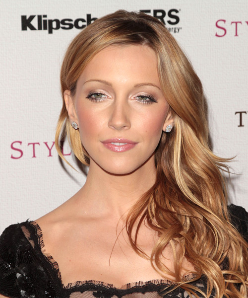 Katie Cassidy Long Wavy Casual Hairstyle
