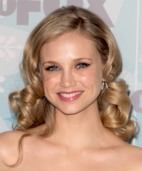 Fiona Gubelmann - Formal Medium Wavy Hairstyle