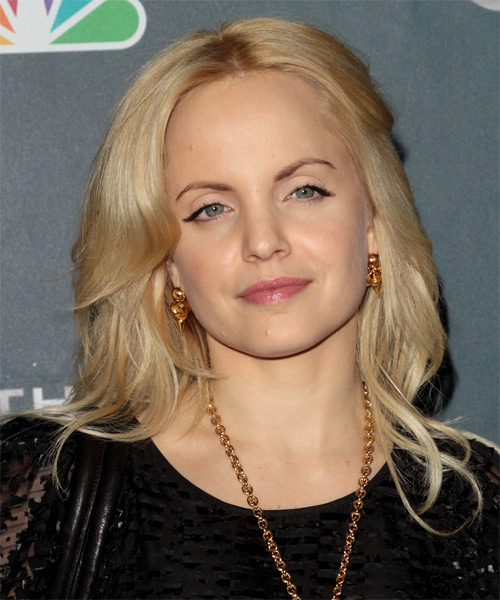 Mena Suvari Long Straight Hairstyle