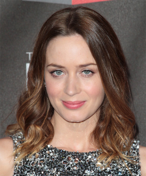Emily Blunt Medium Wavy Casual Hairstyle - Medium Brunette Hair Color