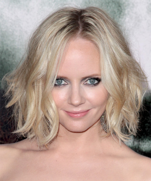 Marley Shelton Medium Wavy Hairstyle - Light Blonde