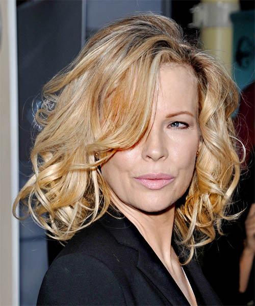 Kim Basinger Medium Wavy Hairstyle - Light Blonde (Golden)