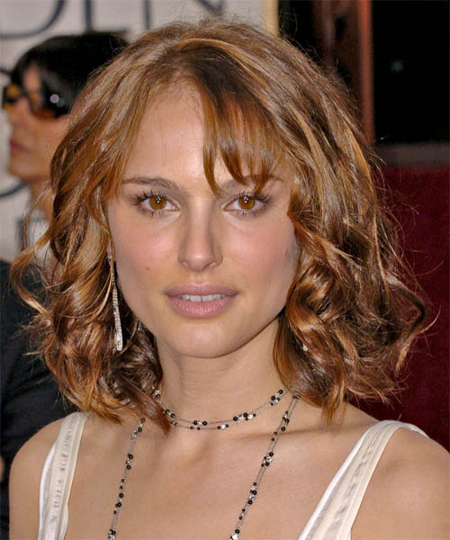 Natalie Portman Medium Wavy Casual Hairstyle
