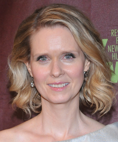 Cynthia Nixon Medium Wavy Bob Hairstyle - Medium Blonde