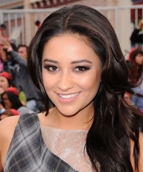 Shay Mitchell Long Wavy Casual Hairstyle - Black Hair Color