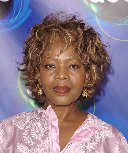 Alfre Woodard - Casual Medium Wavy Hairstyle