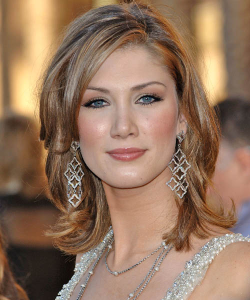 Delta Goodrem Medium Straight Hairstyle