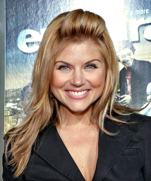 Tiffani Thiessen Long Straight Hairstyle