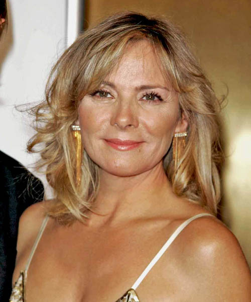 Kim Cattrall - Casual Medium Wavy Hairstyle