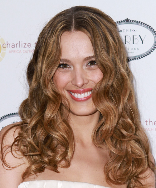 Petra Nemcova Long Wavy Hairstyle - Light Brunette (Caramel)