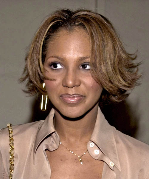 Toni Braxton Short Straight Hairstyle