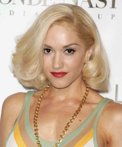 Gwen Stefani Medium Straight Hairstyle