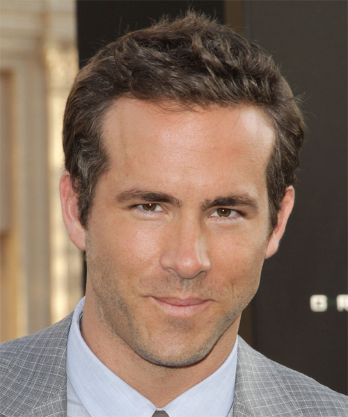 Ryan Reynolds Short Straight Hairstyle - Medium Brunette