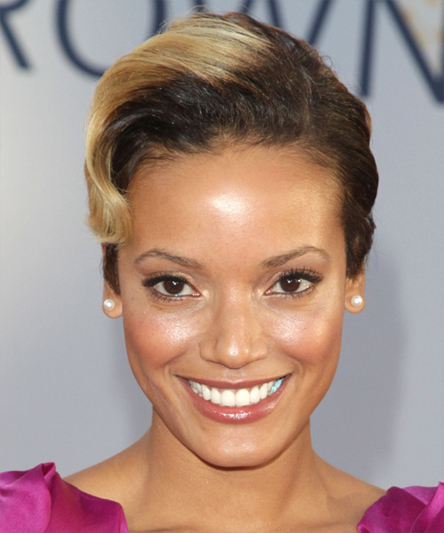 Selita Ebanks Short Wavy Hairstyle - Medium Brunette