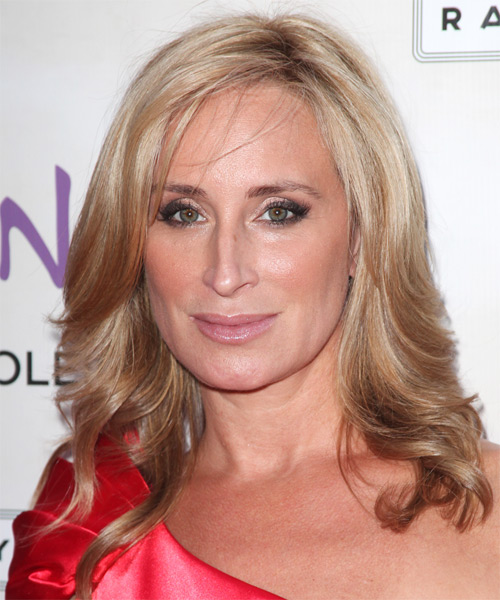 Sonja Morgan Medium Wavy Hairstyle - Dark Blonde (Strawberry)