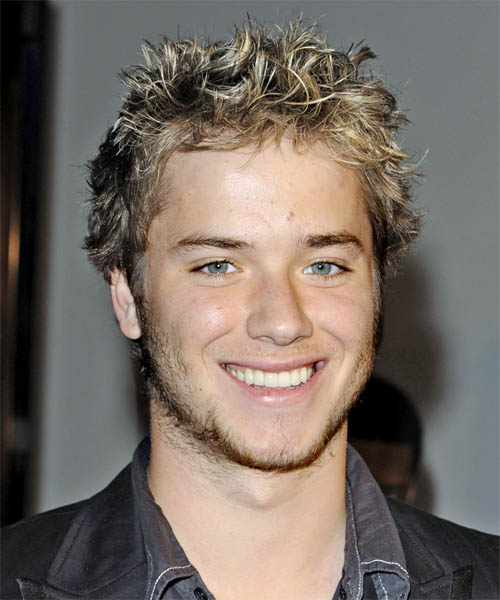 Jeremy Sumpter Short Wavy Casual Hairstyle