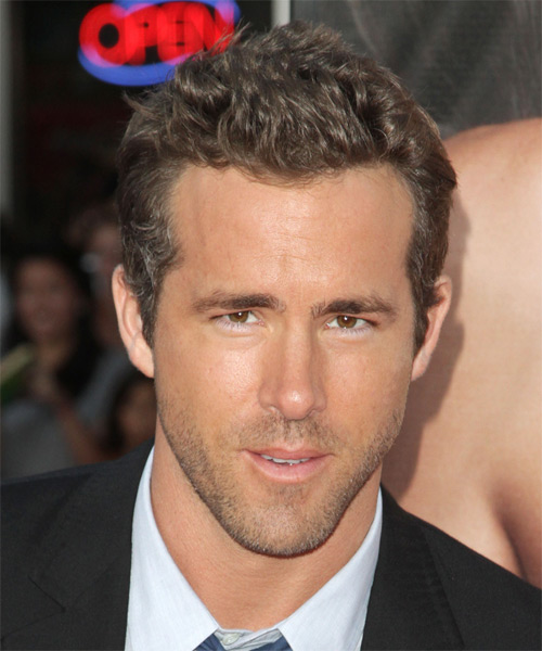 Ryan Reynolds Short Straight Hairstyle - Dark Blonde