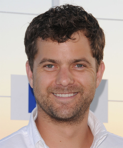 Joshua Jackson Short Wavy Casual  with Side Swept Bangs - Medium Brunette