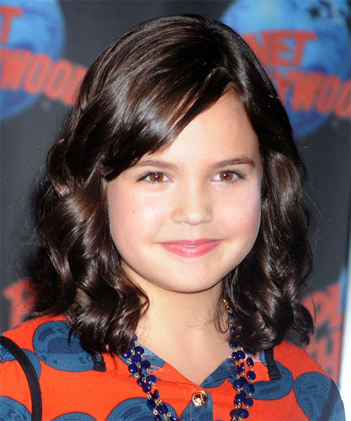 Bailee Madison Medium Wavy Casual  - Dark Brunette (Mocha)