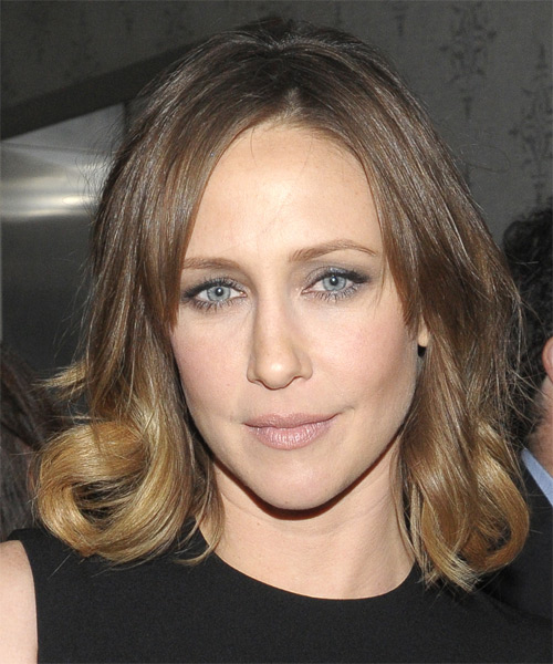 Vera Famiga Medium Wavy Casual  - Light Brunette